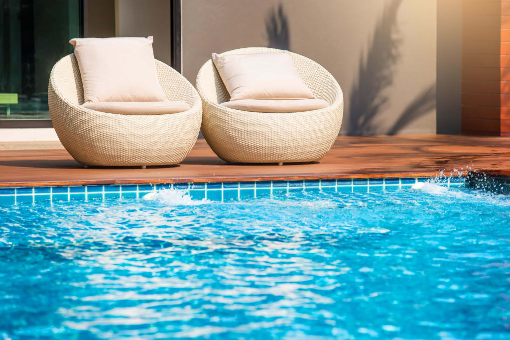 mobilier de piscine